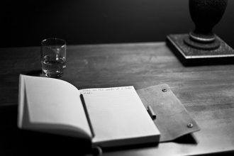 manuscript-203465_640